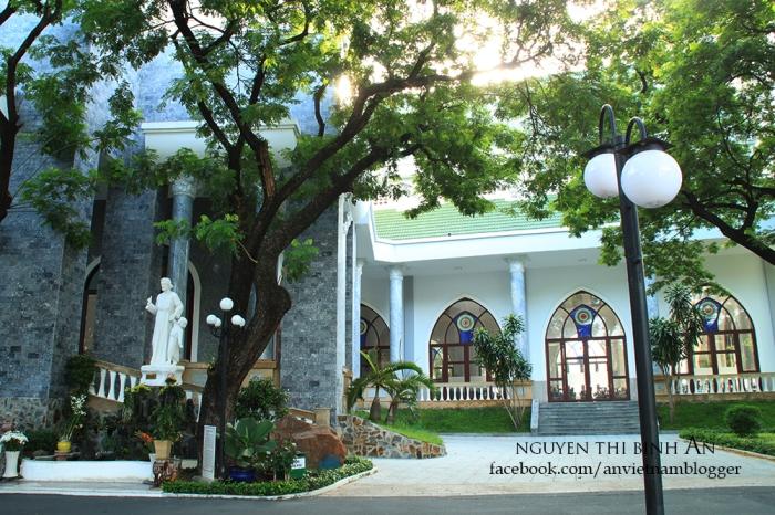 Dong Tien Church - Saigon Aug04 2015 (10)
