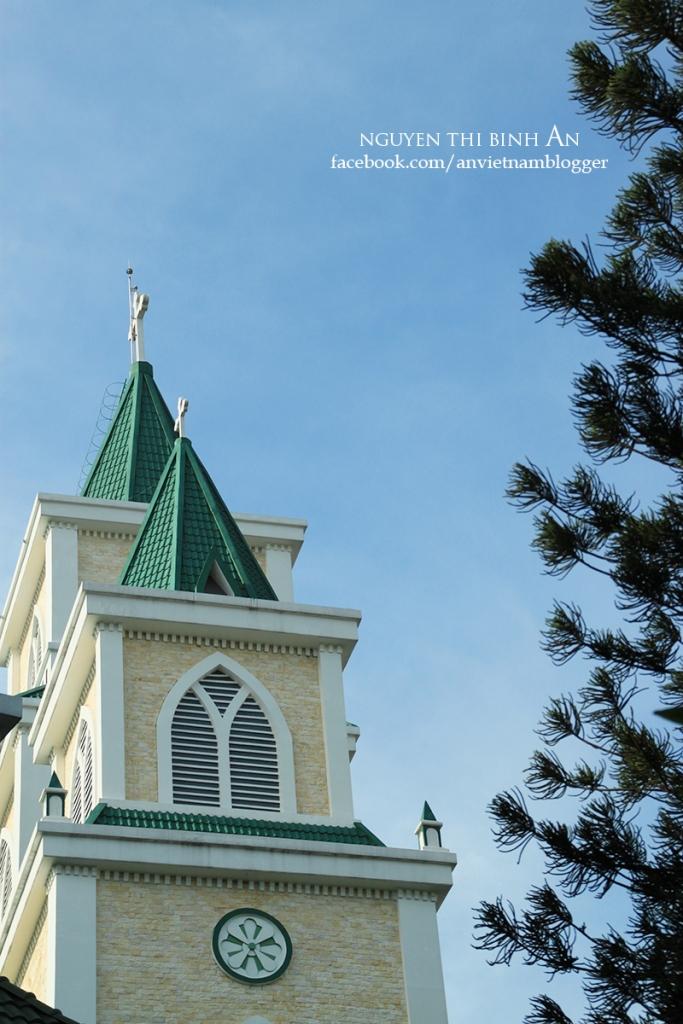 Dong Tien Church - Saigon Aug04 2015 (18)