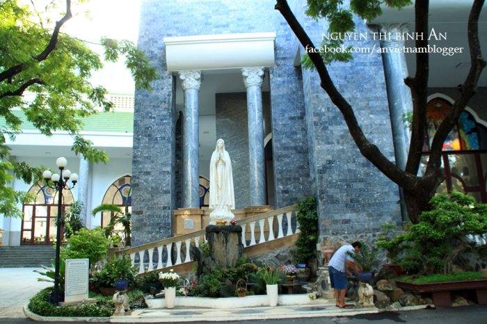 Dong Tien Church - Saigon Aug04 2015 (9)